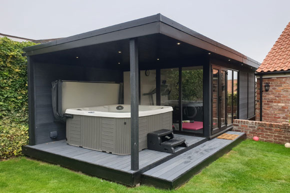 Relaxing Garden Room Hot Tub Retreat Cambridge